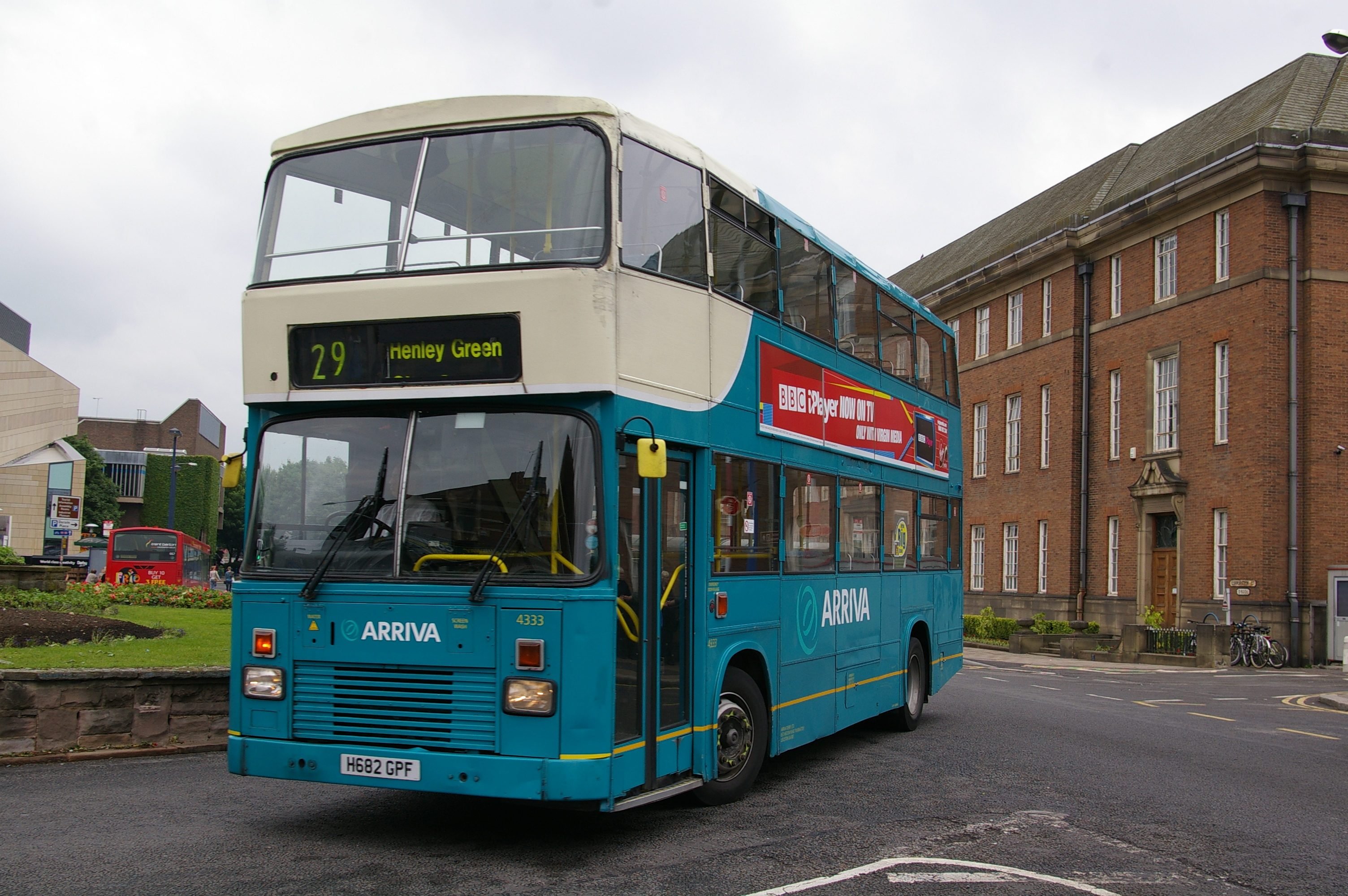 Green Bus 682