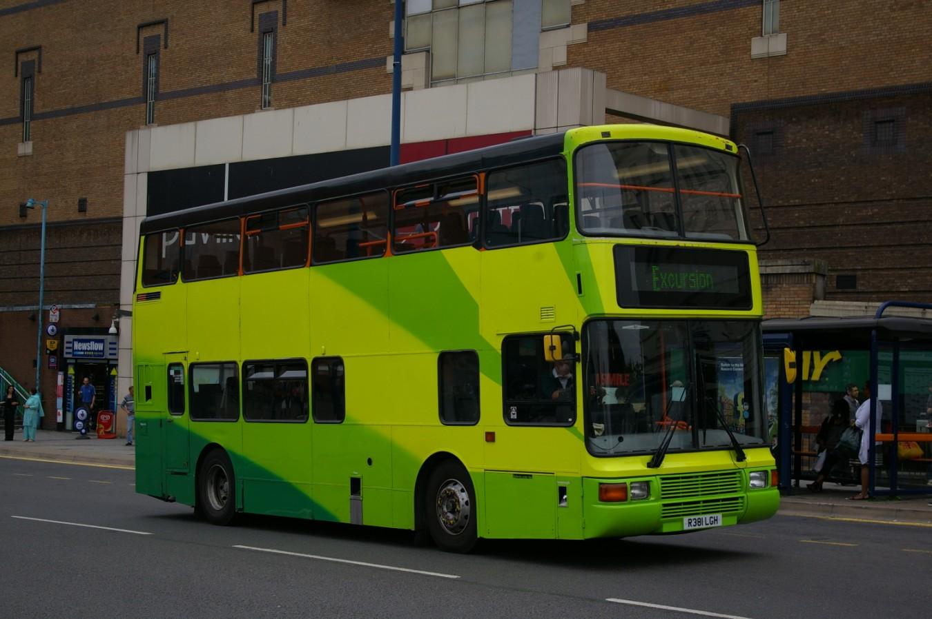 Green Bus 381